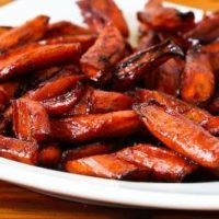 Easy Roasted Carrots with Balsamic Glaze