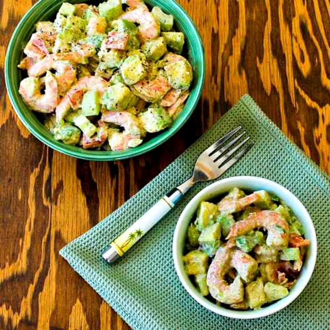 Shrimp, Avocado, and Red Pepper Salad finished salad in bowls